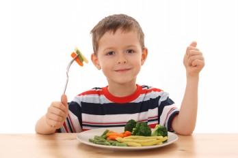 غذا خوردن کودکان