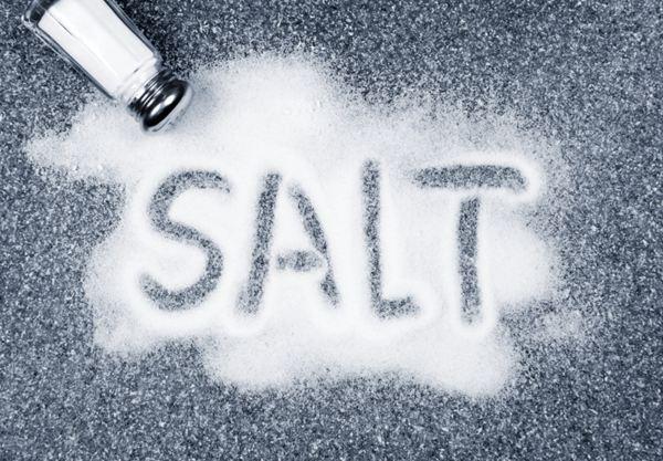 مورد از مضرات مصرف نمک زیاد برای سلامتی