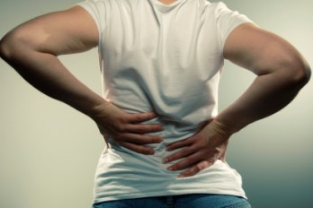 علت درد پایین کمر چیست؟