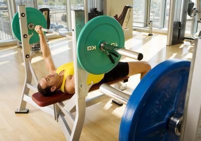 برای عضله سازی چه کنیم,افزایش حجم عضلات,پرس سینه