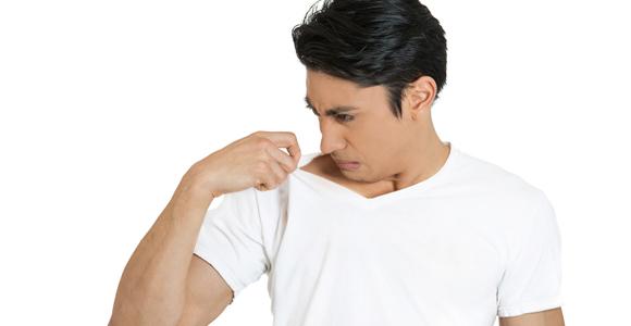 علت اصلی بوی بد عرق بدن