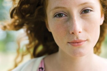 هفت نشانهای که میگویند شما به متخصص پوست نیاز دارید!