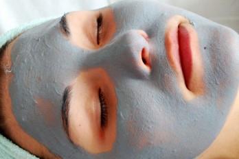 ۵ ترفند ساده شبانه برای بیدار شدن با پوستی درخشان
