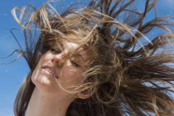 چگونه موهایی قوی و براق داشته باشیم؟