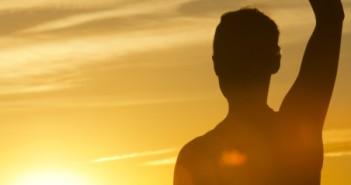 ۴ راهی که بیماران مبتلا به سرطان میتوانند از یوگا بهره ببرند.