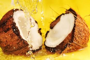 خواص، کالری و ارزش غذایی آب نارگیل