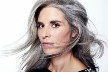 چگونه موهای خاکستری را نگهداری و آرایش کنیم