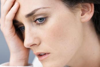 ۵ علامت عجیب که نشان میدهد بیش از حد مضطرب هستید
