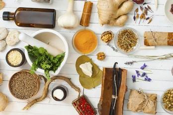 ۶ طب جایگزین که باید مد نظر داشته باشید