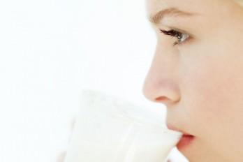 غذاهایی که باعث جوش صورت و آکنه میشوند