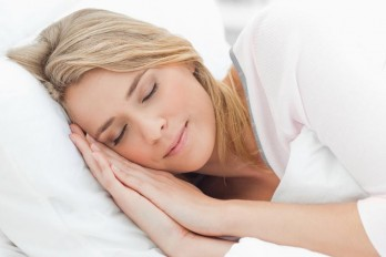 آموزش حرکات یوگا برای خواب راحت