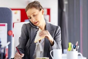 ۷ عادت روزانه که انرژی شما را کاملا تحلیل میبرد