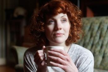 ۶ خاصیت شگفتانگیز چای در زیبایی