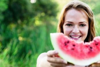 ۱۲ عادت روزانه زنان سالم و خوش اندام