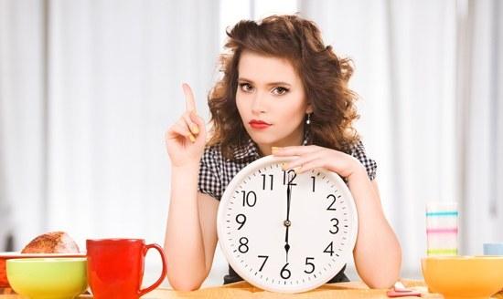 روزه متناوب چیست؟ کاهش وزن و سلامت با رژیم 5:2 روزه متناوب