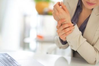 ۳ راهکار طبیعی برای کاهش التهاب مفاصل