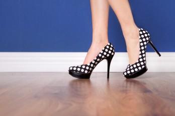چگونه بدون تحمل درد، کفش پاشنه بلند بپوشیم