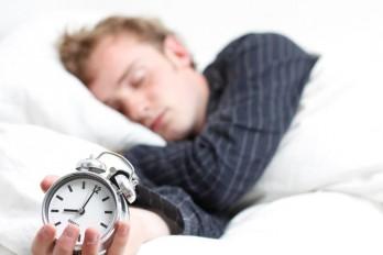 عوارض محرومیت از خواب و بهم خوردن ساعات خواب