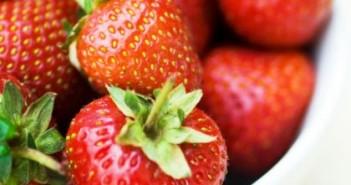 توت فرنگی-strawberries