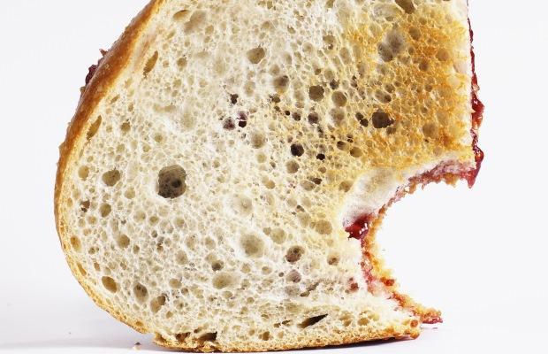ساندویچ ژله و کرهی بادام زمینی