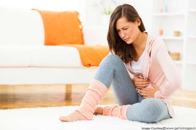علت شکم درد و روش درمان آن - 10 دلیل درد در شکم