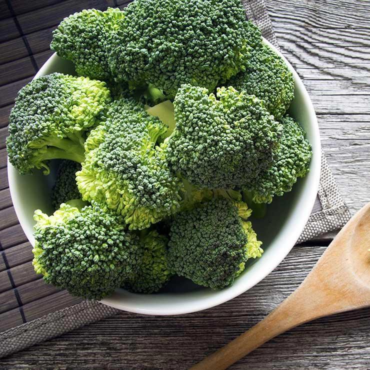 منبع غذایی ویتامین c,کلم بروکلی سرشار از ویتامین سی