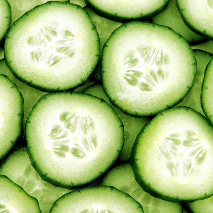 برای درمان آفتاب سوختگی چه بخوریم,cucumbers-خیار
