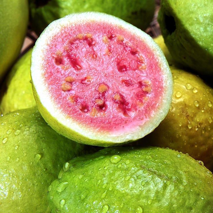 برای درمان آفتاب سوختگی چه بخوریم,guavas-گواوا