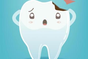 ۹ غذایی که میتواند باعث ایجاد لک بر روی دندان شود
