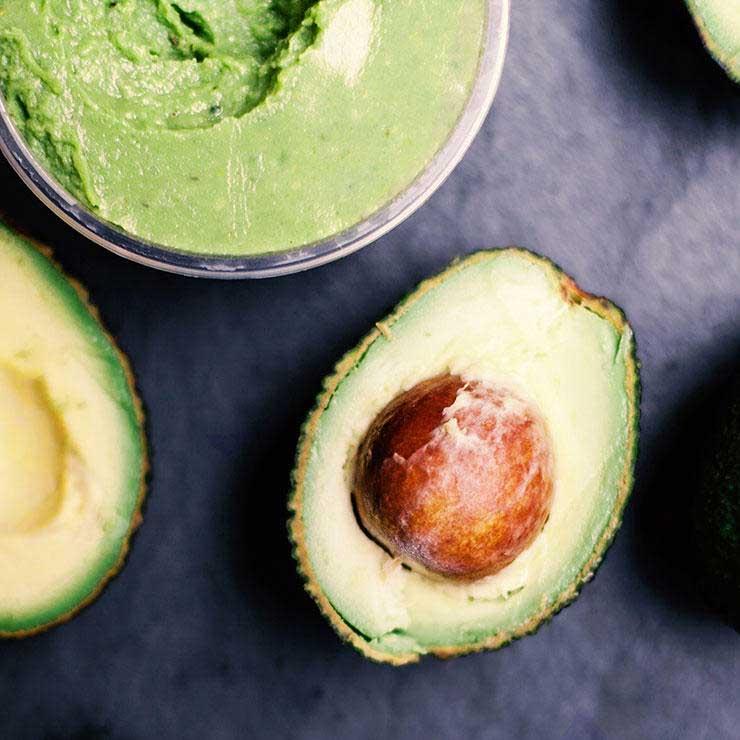 غذاهای ضد سرطان,برای پیشگیری از سرطان چه بخوریم,آووکادو