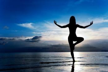 آموزش یوگا: ۳ حرکت یوگا برای تنظیم هورمون و تقویت تخمدان
