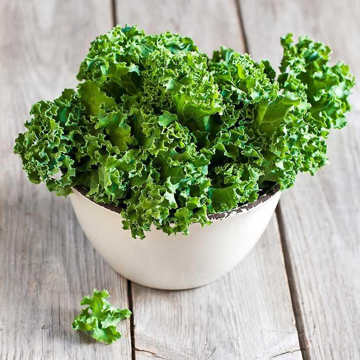 رژیم غذایی درمان میگرن,سبزیجاتی با برگ سبز