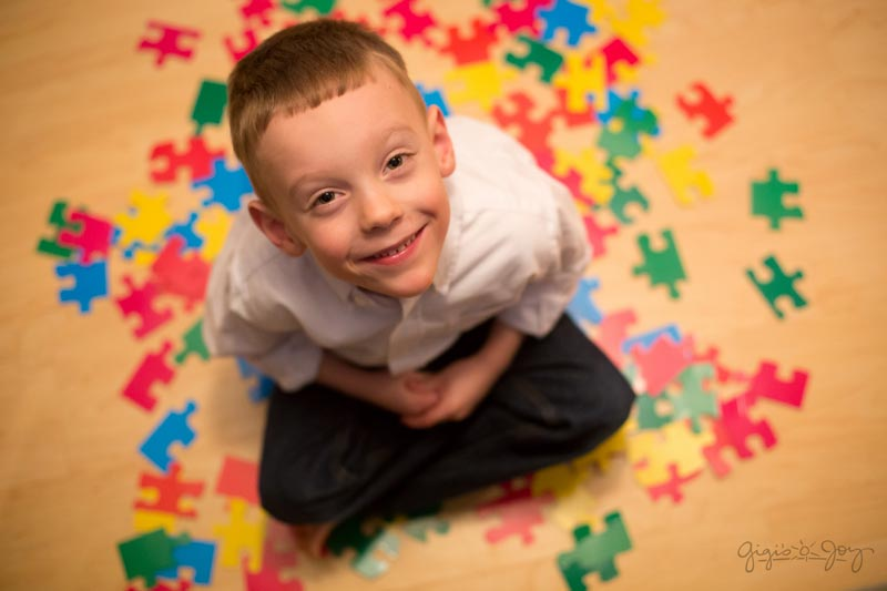 علائم بیماری اوتیسم