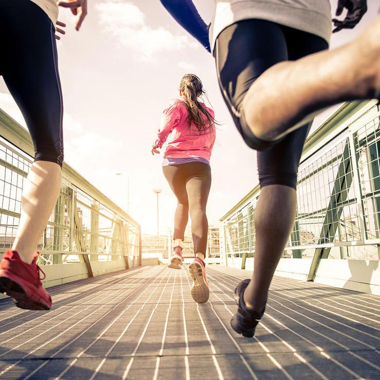 friends-running-افزایش انگیزه ورزشی