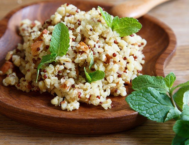برای صاف شدن شکم چه بخوریم,رژیم غذایی شکم تخت,quinoa-grains-10-daily-habits-blast-belly-fat کینوا