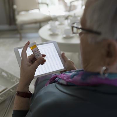 روش های درمان بیماری آلزایمر,gettyimages-645424997