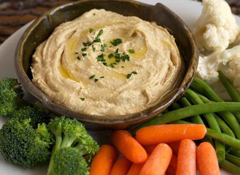 ماست برای لاغری,hummus-and-vegetables