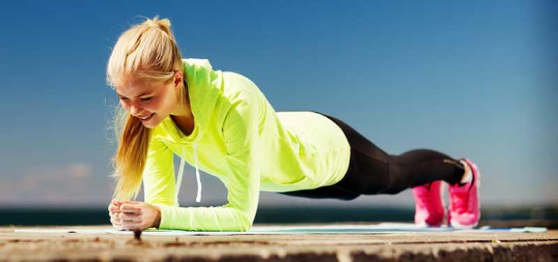 ورزش برای آب کردن چربی پشت کمر,plank_it_out-700x329