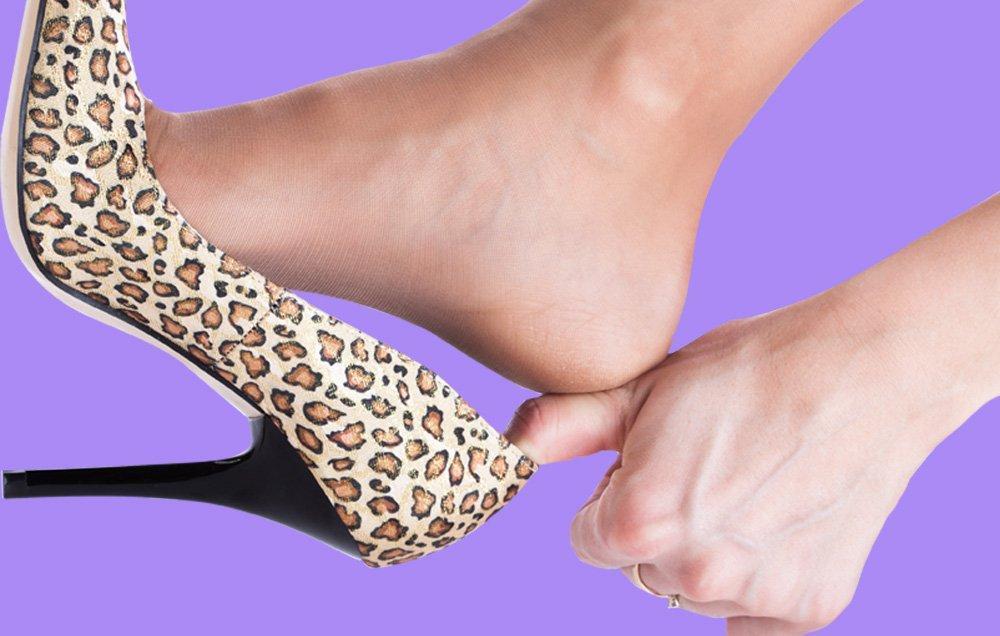 علت ورم پاها,دلیل تورم پا چیست,دلیل تورم پاها