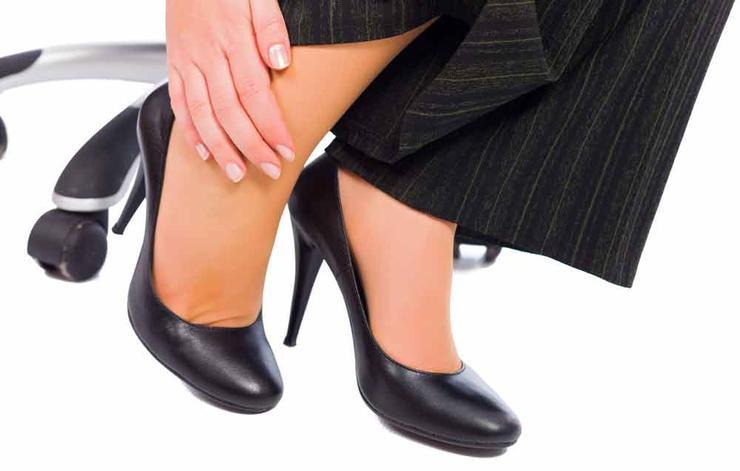 علت ورم پاها,دلیل تورم پا چیست,shutterstock_292000187-onfeet-lighthunter
