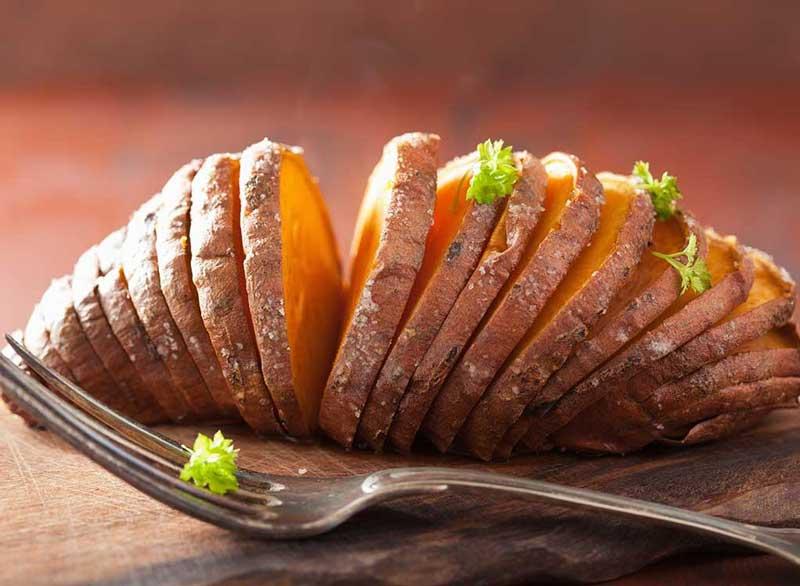 ورزش برای آب کردن چربی پشت کمر,sweet-potato-slices