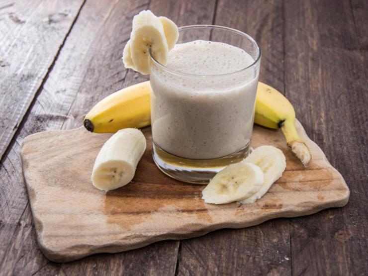 رژیم لاغری اسموتی,اسموتی موز و کره بادام زمینی-banana-smoothie-ts-178834536