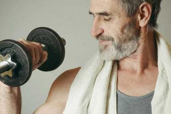 بهترین تمرینات قدرتی برای مردان بالای ۴۰ سال