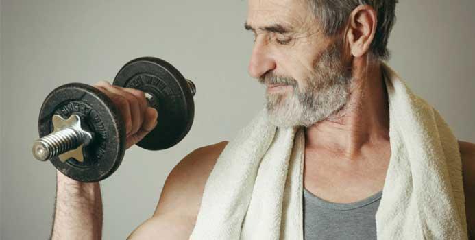 بهترین تمرینات قدرتی برای مردان بالای 40 سال