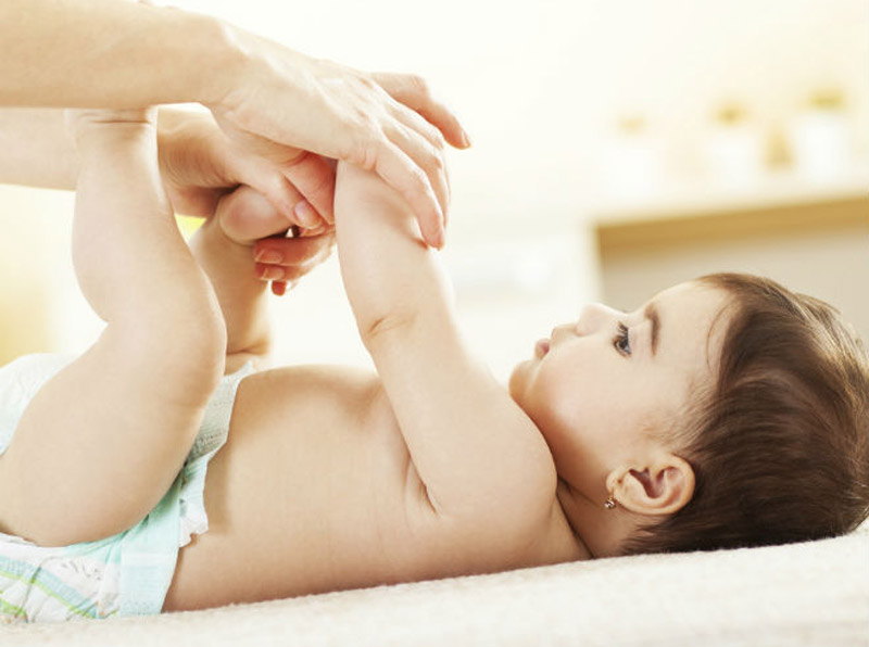 دلايل و راهکارهای درمان اسهال نوزادان