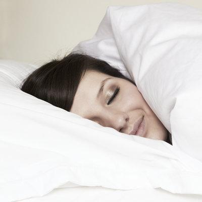 مراقبت از سلامت چشم,خوابیدن با آرایش