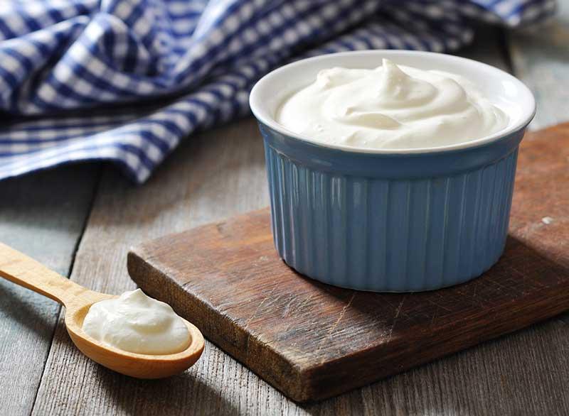 greek-yogurt-should-you-be-eating-full-fat-yogurt ماست یونانی