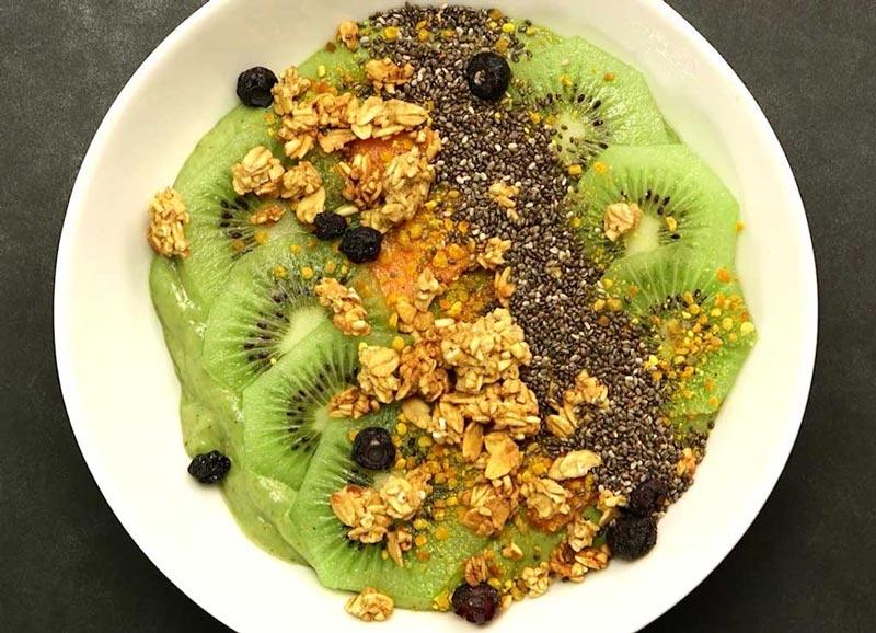 kiwi-smoothie-bowl کیوی