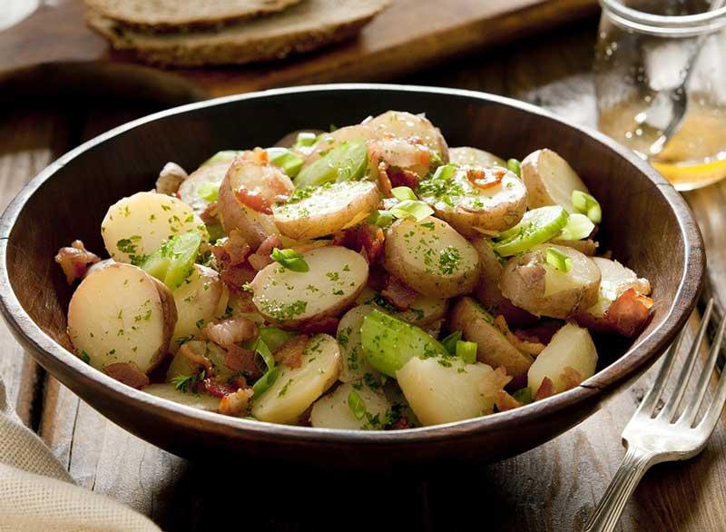 رژیم کربوهیدرات برای لاغری,potato-salad سالاد سیب زمینی سرد