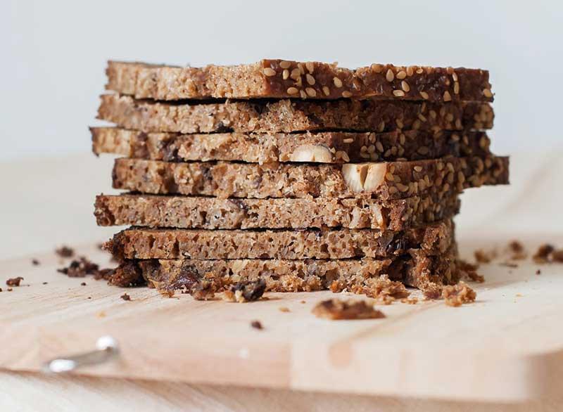 رژیم کربوهیدرات برای لاغری,sprouted-grain-bread-meat-free-proteins نان تهیه شده ار جوانه غلات